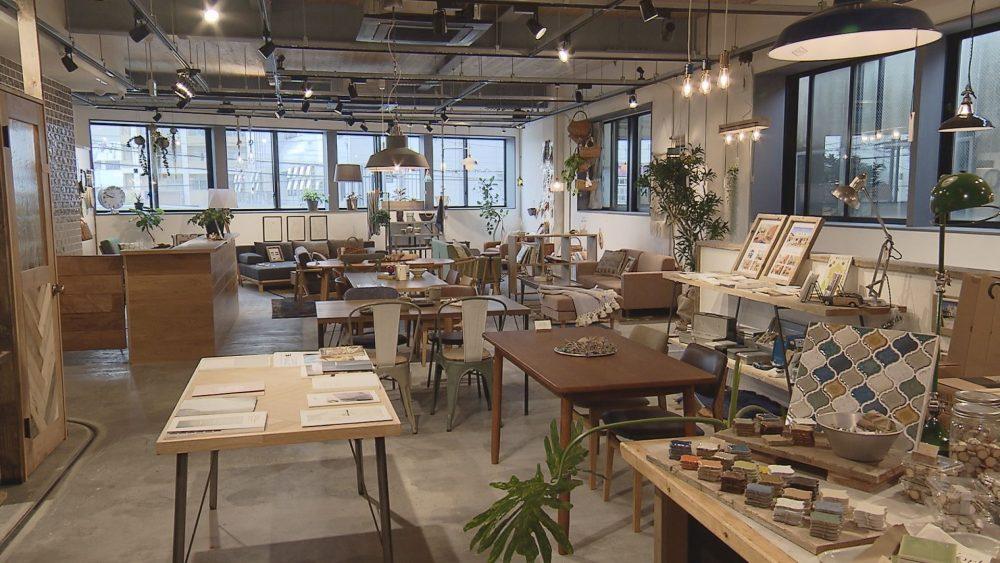 おしゃれな家具が並ぶ「NICO STOCK Furniture」