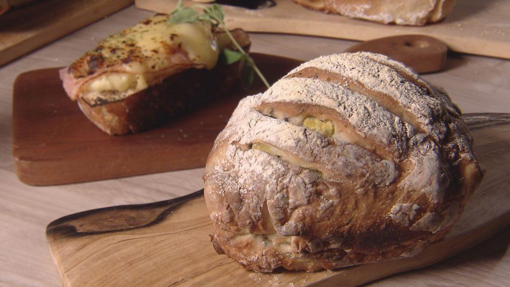 ごまとさつま芋の田舎パン