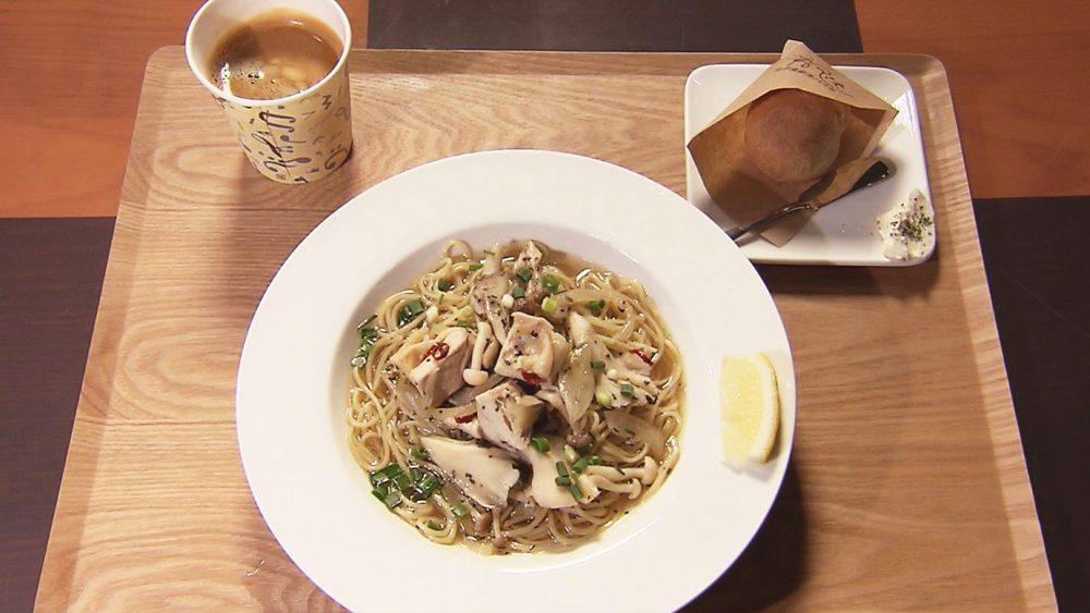 チキンとキノコのスープスパゲッティ